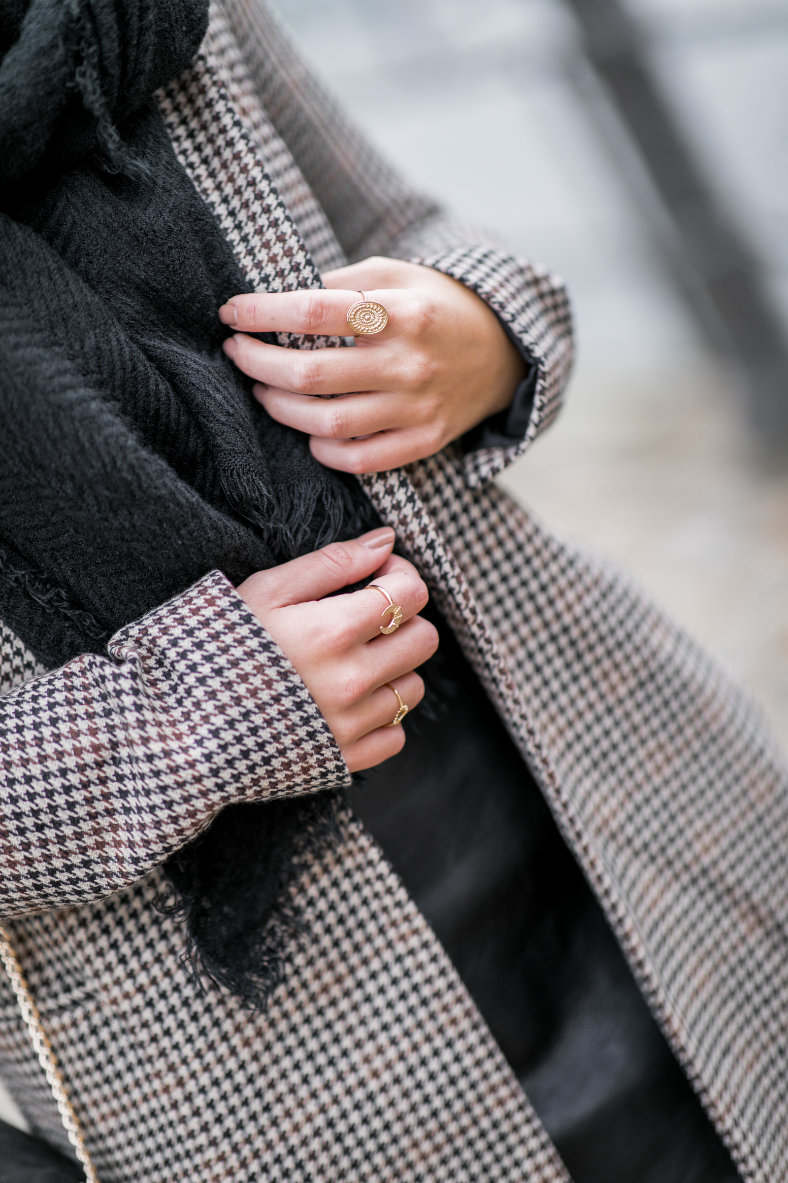 Jupe simili cuir et pull maille